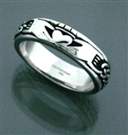 316L Stainless Steel Claddagh Celtic Knot Band (S6)